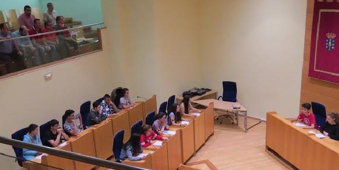 Pleno escolar no Concello de Narón
